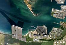 Ny Vesthavn kommer i første omgang til at blive 330.000 kvm. påsydsiden af Kalundborg Havn vest for Asnæsværket.  60.000 kvm. bliver til kajer, vej, parkering mv., og de resterende cirka 270.000kvm. benyttes til alle former for udlejning til havnebrugende industri En del af planen er at flytte containerterminalen fra det nuværende havneområde til NyVesthavn.