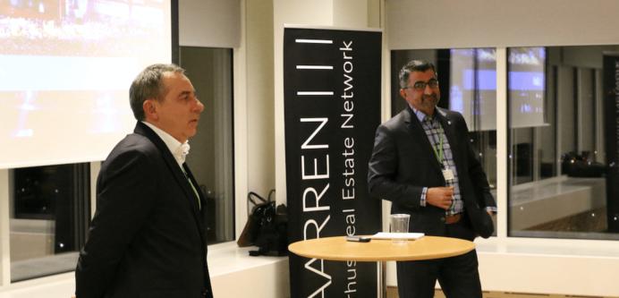 Rådmand Bünyamin Simsek på besøg i det nye Aarhus-ejendomsnetværk Aarren.