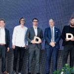 Blandt dem, der mandag aften modtog en pris, var Copenhagen Towers. Her er det blandt andet i midten David Overby, Solstra Capital Partners, CHO Allan Agerholm, (nr. 3 fra højre) BC Hospitality Group og arkitekt Anders Lendager (nr. 2 fra højre).