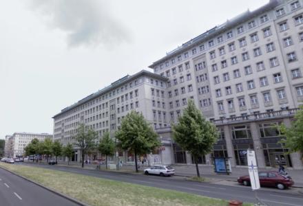 241ba66ade3 Kamp om boliger: Bystyret i Berlin opkøber 670 boliger