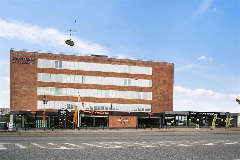 Den 7.194 kvm store detail- og kontorejendom i Valby ved siden af udviklingsområdet Grønttorvet