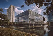 Deloittehuset på 26.000 kvm i København sættes til salg - kan blive årets tredje milliardhandel