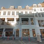 Vimmelskaftet 46-48 med blandt andet Det Gamle Apotek og Espresso House som lejere. Foto: Google Maps
