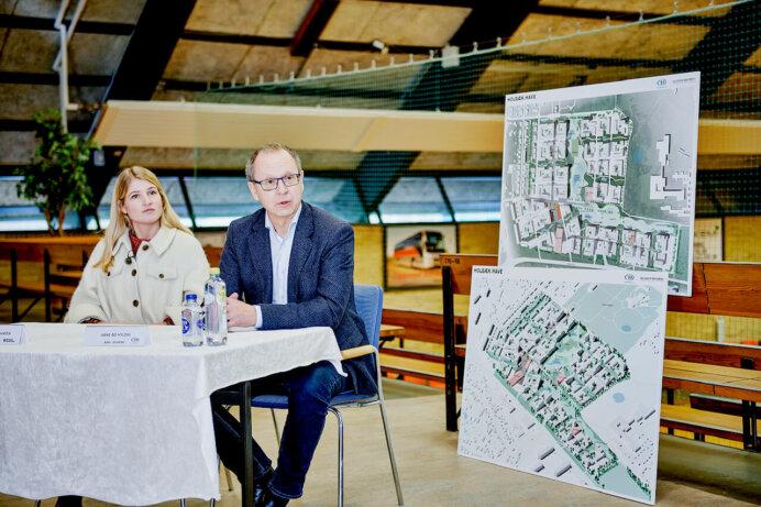 Borgmester Christina Krzyrosiak Hansen, Holbæk Kommune, og adm. direktør og ejer Hans-Bo Hyldig, FB Gruppen. Foto: Presse