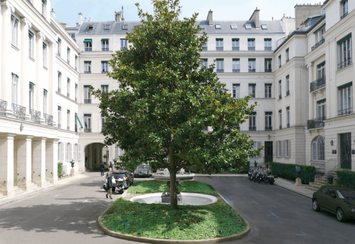 Kontor- og boligejendommen i Paris. Foto: PFA
